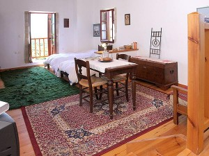 Traditional habitat. Fully equipped. University of Crete