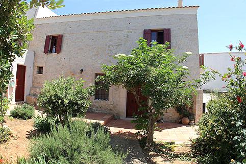 Agioklima the house in the garden
