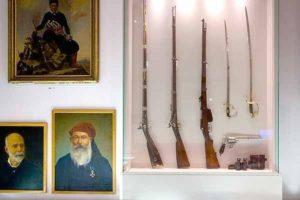 Αίθουσα με εκθέματα στο ιστορικό μουσείο Ηρακλείου
